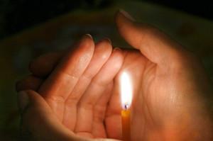 Свеча горящая